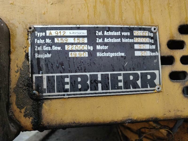 Pelle sur pneus LIEBHERR A912LI - Codimatra<br />