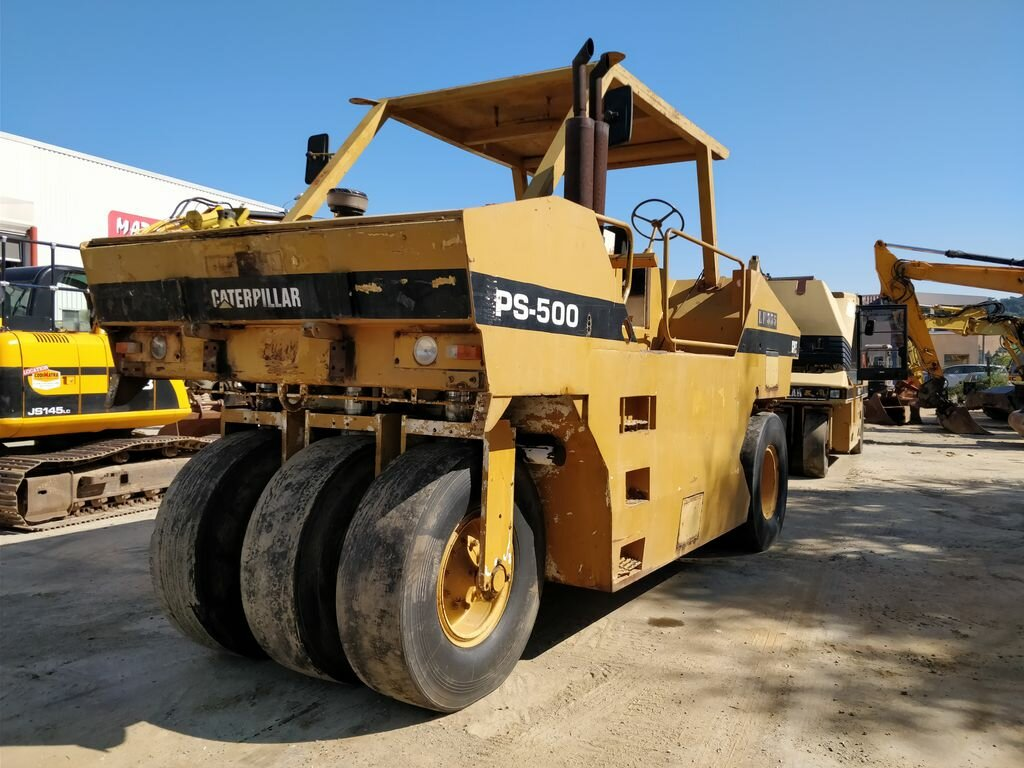 Compacteur à pneus CATERPILLAR PS500