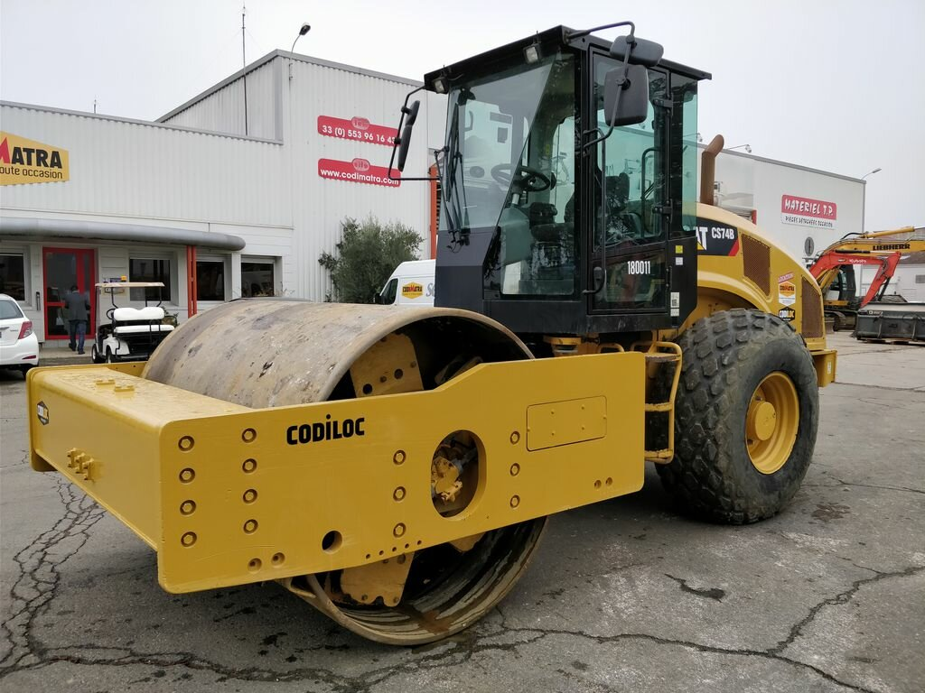 Compacteur mixte CATERPILLAR CS74B