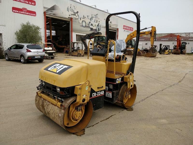 Compacteur tandem CATERPILLAR CB224D