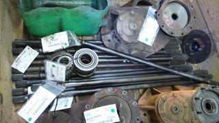 Arbre de roue pour POCLAIN 61P