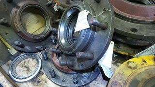 Moyeu de roue pour LIEBHERR A900LI