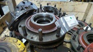 Moyeu de roue pour LIEBHERR A316
