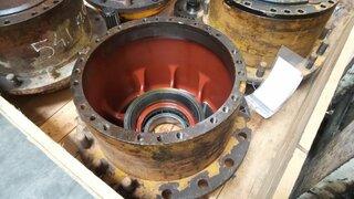 Moyeu de roue pour LIEBHERR L541