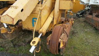 Vérin de levage brancard pour LIEBHERR LR632