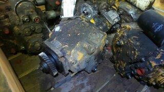 Pompe hydraulique d'avancement pour LIEBHERR LR631B