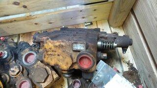Distributeur hydraulique pour CASE 621