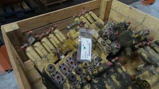 Distributeur hydraulique pour CATERPILLAR 322