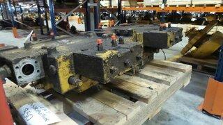 Distributeur hydraulique pour CATERPILLAR 350