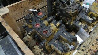 Distributeur hydraulique pour CATERPILLAR 950FII