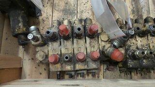 Distributeur hydraulique pour CHAMPION 710A